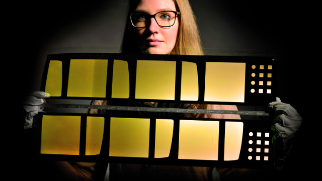 Fraunhofer FEP - Flexible OLED panel