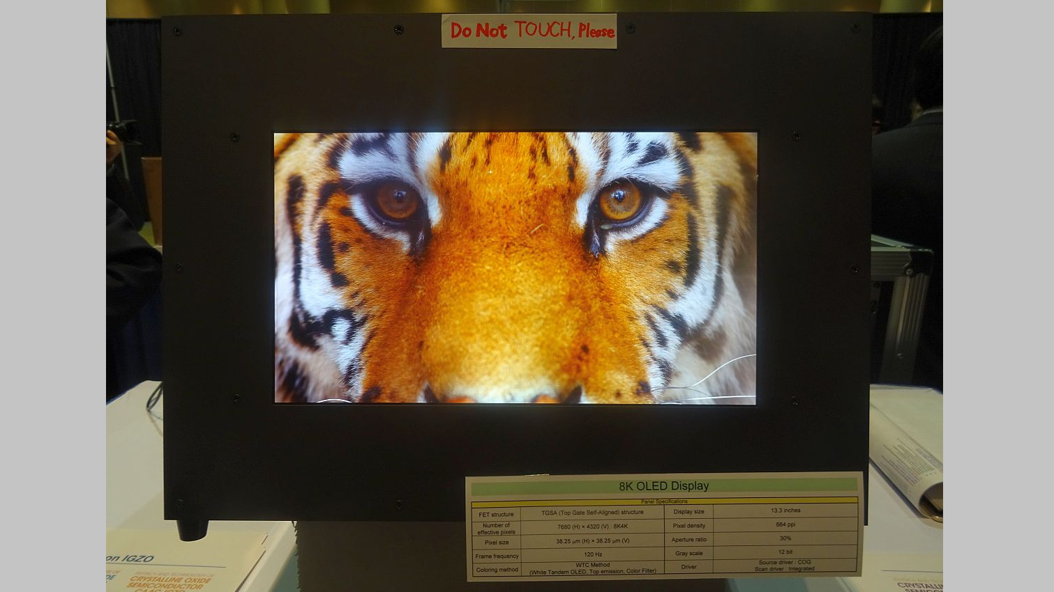 SEL - 13.3-inch 8k OLED display has a drive frequency of 120Hz and 12-bit colour scale