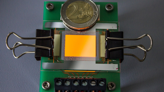 Fraunhofer FEP Orange luminous OLED on a graphene electrode